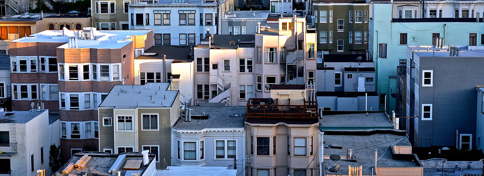 Non-registration of utility costs determines non-payment of increased tax on buildings   with mixed destination